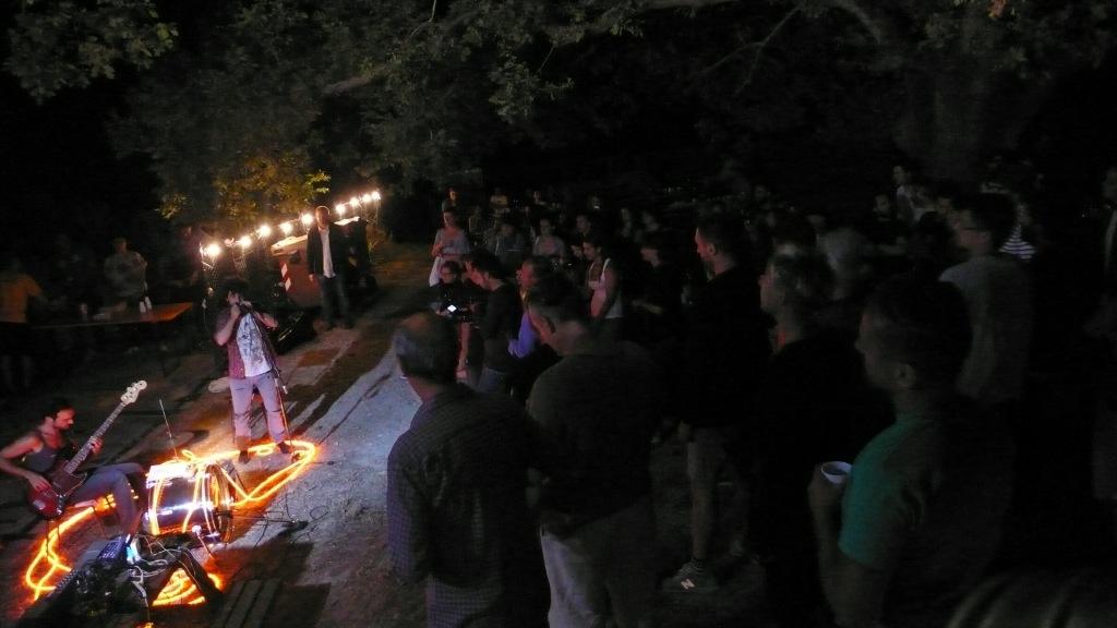 Graziella Kriminal durante la festa del 13 agosto