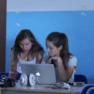 Fase di preparazione del programma radio. Foto © G. Gaggia