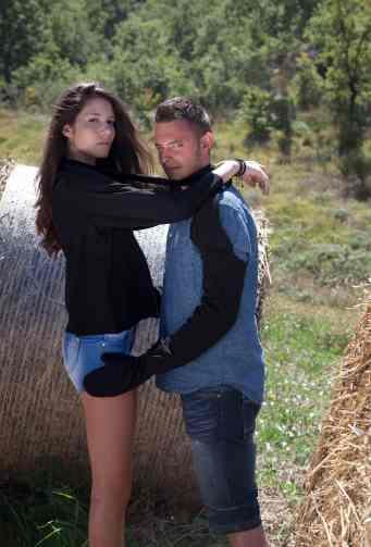 Jessica e Gaetan posano per Ea di Franco Clothing. © Andras Calamandrei