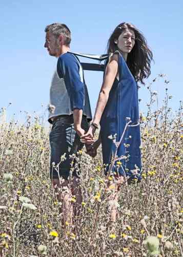 Jessica e Gaetan posano per Eva di Franco Cloting