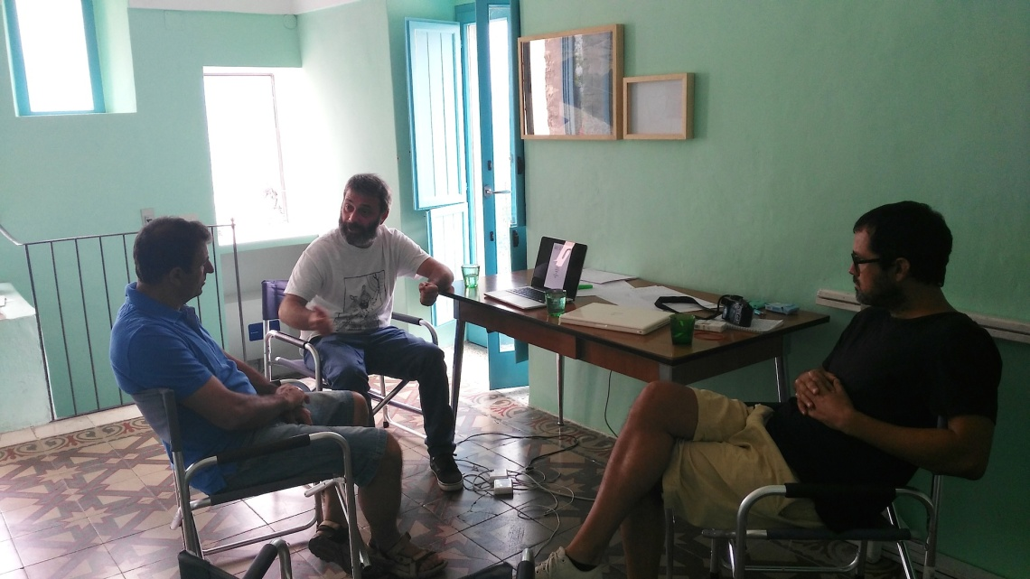 Federico Bacci, Filippo Racciatti e Juan Pablo Macias discutono le modalità per il trasferimento di BAS a Parigi