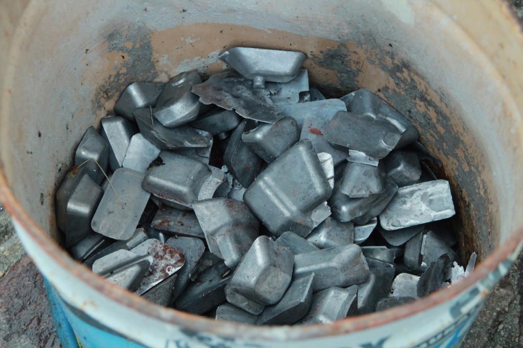 scarti di metallo per la fusione. Photo credit: Daniela Pitre'