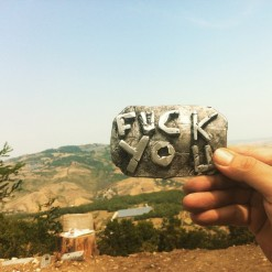 Fibbia punk, manifatura francese. Crediti fotografici: Alessandra Poggianti