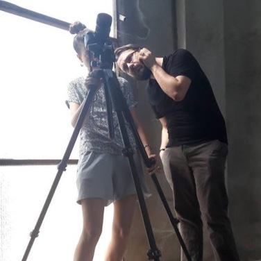 Cosimo Veneziano e Matilde Martino fotografano all'interno della torre dell'acqua. Foto Pietro Gaglianò