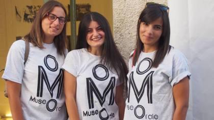 Inaugurazione mORALE. Le mediatrici Marilisa e Linda di Ciano ed Eleonora Racciatti. Foto: Ottorino Giardino