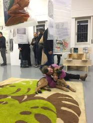 La Terra è Bassa, a cura di Alessandra Pioselli. Il tappeto della Nuova Didattica Popolare di GuilmiArtProject